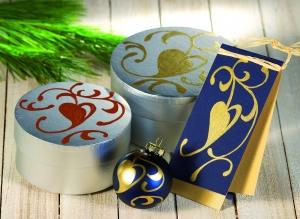 Украшаем золотым маркером окрытку и подарочную коробку