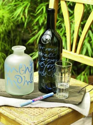 Украшаем бутылки лаковым маркером